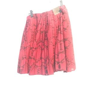 Red Snake print Skirt Banana Rep, Size M (NWT)